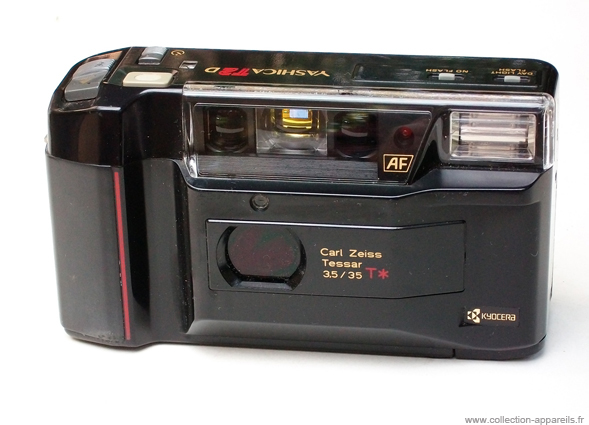 Yashica T2D