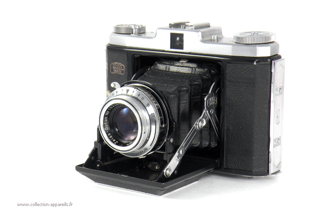 Zeiss Ikon Ikonta B Vintage cameras collection by Sylvain